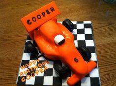 race car cake Race Car Cakes, Birthday Parties, Birthday Cake, F1, Cake Ideas, Race Cars, Party, Anniversary Parties, Drag Race Cars