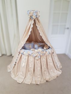 Lovely photo from Ginamarie 💙, Baby Girl Bedding, Baby Bedroom, Kids Bedroom, Baby Bassinet, Baby Cribs, Princess Nursery Theme, Baby Baskets, Baby Nest, Baby Design