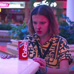 This picture makes me so sad!😢 Can't wait for Stranger Things Stranger Things Netflix, Stranger Things Characters, Stranger Things Season 3, Eleven Stranger Things, Bobby Brown Stranger Things, Stranger Things Aesthetic, Enola Holmes, Millie Bobby Brown, Material Girls