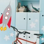 Create a luxurious and unique decoration for the kids' room with these universe themed projects.