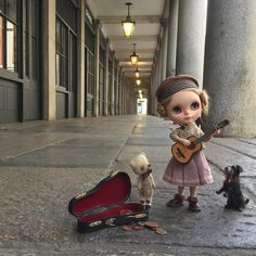 """""""A song for a penny come and hear me play I'll sing you a song and brighten your day."""" #busking  #coventgarden  #london  #england  #almonddoll  #dewdropteddybears  #inkarno  #moshimoshi  #dakawaiidolls  #blythedoll  #dollphotography  #ootd #kawaii  #poupeemecanique  #foxterrier by dollytreasures"""
