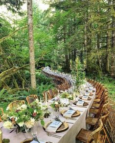 Magical Dinner Spots and Wedding reception Dinner for Dreamy Weddings magical wedding reception Outdoor Wedding Venues, Wedding Events, Enchanted Wedding Venues, Indoor Wedding, Wedding Receptions, Wedding Locations, Decoration Evenementielle, Deco Champetre, Wedding Decorations