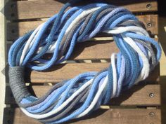Tour de cou/ Echarpe/ Snood tricotin / Bleu : Echarpe, foulard, cravate par eymi