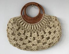 Beautiful Macrame bag from 1960 Macrame Purse, Macrame Owl, Micro Macrame, Lace Purse, Macrame Supplies, Art Bag, Baby Girl Crochet, Crochet Handbags, Macrame Patterns