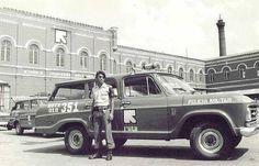 Policial e viatura da Rota nos anos 70.