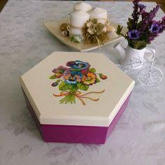 Mum olmak kolay değil; ışık saçmak için,önce yanmak lazım... @ahsap_sepeti Diy And Crafts, Decorative Boxes, Gift Wrapping, Gabriel, Gifts, Home Decor, Instagram, Ideas, Crates