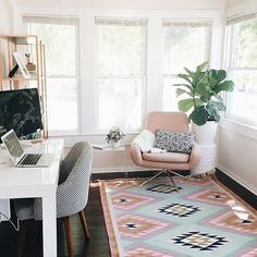 PAUSE AND REFLECT ON THIS PERFECTION. ✨  @micamay #landgathome ft. our #elodierug by @glitterguide. #Padgram