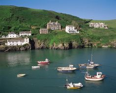 I must visit Port Isaac one day. Cornwall England, Devon And Cornwall, England Uk, London England, Oxford England, Yorkshire England, Yorkshire Dales, Travel England, Doc Martins