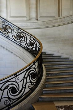 The brass grandeur of the Musée du Louvre staircase. Rogerseller Natural Elements - Inspired by Nature. #Rogerseller #RSNaturalElements #BurnishedBrass #Brass #InspiredbyNature