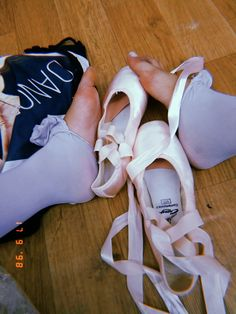 Dance Like No One Is Watching, Just Dance, Dance Photos, Dance Pictures, Pointe Shoes, Ballet Shoes, Royal Ballet, Body Painting, Ballet Photography