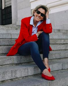 Mature Fashion, Fashion Over 50, Stylish Clothes For Women, Stylish Outfits, Business Outfits, Rock, Cool Girl, Dressing, Leather Jacket