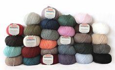 Cheese! Foto di gruppo! Group shot;) #Adriafil #SierraAndina #alpaca #fotodigruppo #groupshot #photodegroupe #alpaga #knittersofinstagram #knit #knitting #crocheter #crochet #crochetersofinstagram #colours #yarn #yarnporn #yarnaddict #yarnlove by adriafil_filati_made_in_italy