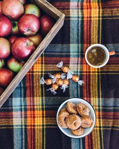 The Ultimate Fall Bucket List: indulge in the traditional flavors of fall. Design a picnic menu highlighting the tastes and flavors of fall, including smooth melting LINDOR Pumpkin Spice truffles. Click for more ideas on the Lindt Unwrapped blog. [Promotional Pin]