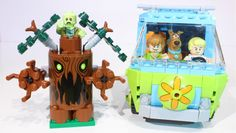 Escape from the spooky forest with Scooby-Doo, Fred and Shaggy! Avoid getting trapped in the branches of the spooky tree and jump into The Mystery Machine to. Spooky Trees, Lego Toys, Stop Motion, Shaggy, Scooby Doo, Wedding Favors, Kids Toys, Mystery, Rainbow