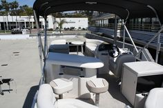 Our pontoons are so spacious, perfect to invite friends and family for a cruise!