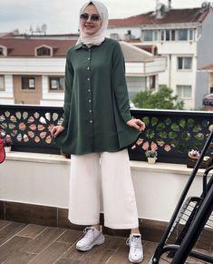 ✔ Fashion Summer Hijab Outfit Source by CarolineAverill outfits hijab Hijab Fashion Summer, Pakistani Fashion Casual, Modern Hijab Fashion, Frock Fashion, Street Hijab Fashion, Hijab Fashion Inspiration, Muslim Fashion, Fashion Outfits, Chic Outfits