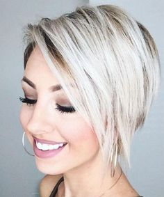 Glorious Short Layered Pixie Haircuts 2019 for Women to Try This Year for Fascinating and Most Alluring Look. This Year Has Brought New Brightest Short Pixie Haircut Styles for Women Which Can Be get With Minimal Effort. Short Layered Haircuts, Short Hairstyles For Women, Layered Hairstyles, Funky Bob Hairstyles, Trending Hairstyles, Short Hair With Layers, Short Hair Cuts For Women, Short Hair Trends, Short Hair Styles