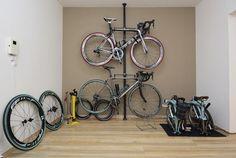 部屋に自転車   チェレステ!ターキッシュ ... Bicycle, Vehicles, Bicycle Kick, Rolling Stock, Bike, Bmx, Vehicle, Cruiser Bicycle, Tools