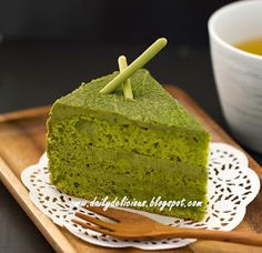 dailydelicious: Green tea chiffon cake with Green tea white chocolate whipped ganache (20cm/ 7.8 inch)