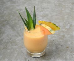 pineapple cantaloupe smoothie