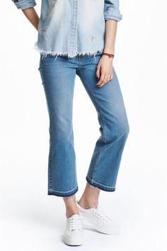 Эффектный приём: Какие джинсы носить весной 2016