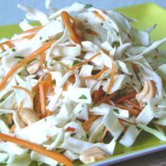 Spicy Cabbage Salad Recipe (Goi Bap Cai) recipe with 170 calories. Grilling Recipes, Pork Recipes, Low Carb Recipes, Cooking Recipes, Healthy Recipes, Vietnamese Cuisine, Vietnamese Recipes, Vietnamese Restaurant, Cabbage Salad Recipes