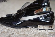 New #zara loafers!  #zara #itstrueblog #blackloafers #blacksandals #blackandgold