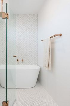 Cottage Home Interior Take a look at this vital graphic as well as look at today information on Easy Diy Bathroom Remodel.Cottage Home Interior Take a look at this vital graphic as well as look at today information on Easy Diy Bathroom Remodel Quirky Home Decor, Indian Home Decor, Easy Home Decor, Home Decor Styles, Cheap Home Decor, Home Decor Accessories, Decoration Bedroom, Hallway Decorating, Entryway Decor