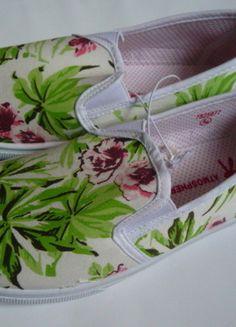 Kup mój przedmiot na #vintedpl http://www.vinted.pl/damskie-obuwie/obuwie-sportowe/10001735-nowe-trampki-w-kwiaty-atmosphere-rozmiar-38
