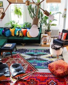 Living Room Decoration Ideas For The Black And White Lovers – Home Decor Crew Bohemian Interior, Bohemian Decor, Modern Bohemian, Bohemian Party, Bohemian Pillows, Living Room Furniture, Living Room Decor, Deco Retro, Bohemian Living Rooms