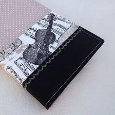 Nastavitelný+obal+na+knihu+Obal+na+knihu,+diář,+sešit+nebo+deník+Je+podložen+měkkou,+ale+pevnou+výztuhou,+kniha+je+tak+chráněna+před+poškozením.+Vnitřní+část+je+bílá.+Šířka+v+rozevřeném+stavu+až+33+cm+(nastavitelné),+max+výška+knihy+20,5+cm.+Lze+prát+na+šetrný+program+a+přežehlit,+neždímat. Cover, Cape Clothing, Trapper Keeper, Cases