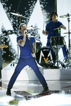 Did you just see Adam Levine and Maroon 5 kill it on The Voice!? Download Daylight on iTunes!