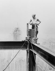 Steel Worker Arranging Steel Frame - Iconic Buildings Under Construction  Empire State Building  Best of Web Shrine