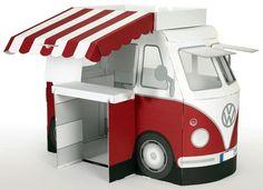 Tanner Marktstand in Form eines T1 Bus, »VW Spielbus Kampini« für 49,99€. Kaufladen »VW Spielbus Kampini« mit Markenminiaturen, Ab 3 Jahren bei OTTO