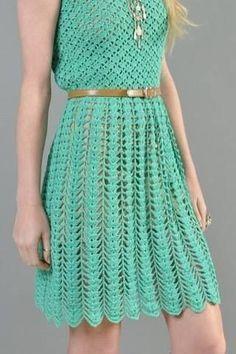 Um modelo de vestido em crochê... CLIQUE AQUI GRAFICO SUGERIDO PARA O TOP CLIQUE AQUI SUGESTÃO DE GRAFICO PARA SAIA ...