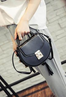 Find More Crossbody Bags Information about new come rivet handbag lovely fashion messenger all match lady shoulder bags,High Quality bags 3,China handbag dust bag Suppliers, Cheap bag belt from GengNan store on Aliexpress.com