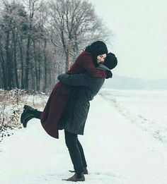 كم اشتقت لاجواء الشتاء ... للقهوه الساخنه في الاجواء البارده ، لحظن دافئ يحميني من برد الشتاء