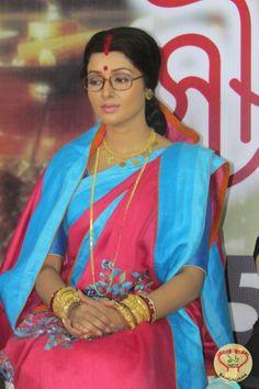 New ETV Bangla Serial Soubhagyabati Team Awards and Recognizes Women Achievers, the Real Life Soubhagyabatis http://sholoanabangaliana.in/blog/2015/01/07/new-etv-bangla-serial-soubhagyabati-team-awards-and-recognizes-women-achievers-the-real-life-soubhagyabatis/#ixzz3O85N4tIU