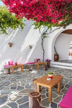 Greece Travel Inspiration - Bougainvillea on the patio - Folegandros Island, Greece Cozy Backyard, Backyard Landscaping, Bougainvillea, Outdoor Spaces, Outdoor Living, Outdoor Decor, Enclosed Patio, Greek House, Patio Flooring