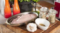 Kycklinggryta med granatäpple och valnötter Frisk, Fresh Rolls, Chili, Grilling, Bbq, Pudding, Iran, Ethnic Recipes, Desserts