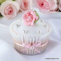 White and pink rose cupcake