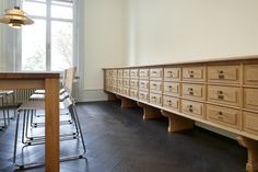 100 jähriger Schubladenkorpus aus massiver Eiche, ein Unikat... Restauriert vom Schreiner König Credenza, Buffet, Cabinet, Storage, Furniture, Home Decor, Restore, Set Of Drawers, Oak Tree