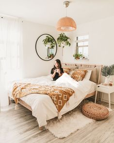 home decor ikea IKEA Bedroom Makeover F - Home Interior, Interior Design Living Room, Living Room Decor, Bedroom Decor Boho, Bedroom Inspo, Interior Livingroom, Bedroom Lighting, Bohemian Decor, Boho Bed Room