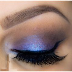 Wear this eye-catching look on your next night out! You'll be giving a flash of brilliance every time you blink with that color-shifting purple on the center of the lid.