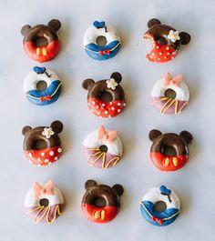 Decorate doughnuts like Minnie, Mickey, Donald, and Daisy.