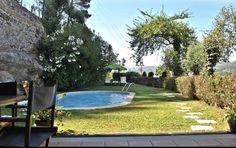 Das Quinta do Freixieiro in Cinfães bietet einen Garten, einen Außenpool und Gartenblick. Die Unterkunft befindet sich 47 km von Amarante entfernt. Hotels Portugal, Outdoor Decor, Home Decor, Patio, Cottage House, Lawn And Garden, Decoration Home, Room Decor, Home Interior Design