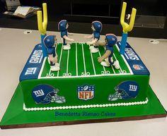 NY Giants Football Field Cake! Go Big Blue! - Football field cake design with NY Giants players.