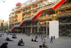 Centro Georges POMPIDOU, Renzo Piano + Richard Rogers. París. [1]  |  El Pompidou marca una época en el desarrollo de París y en la definición de nuevas tecnologías y lenguajes para la arquitectura. [...]