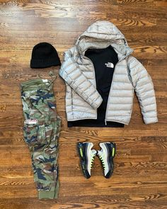 "Mojo on Instagram: ""Silver surfing. @outfitgrid #outfitgrid #ootd #unds #uniqlo #northface #denimandsupplyrl #denhamairmax95 #wdywt #kicksoftheday #kickstagram…"""