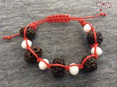 Brăţară norocoasă din seminţe exotice de Rudraksha şi rondele faţetate imitaţie jad. bijuterii.micky@gmail.com Crochet Necklace, Jewelry, Fashion, Crochet Collar, Jewellery Making, Moda, Jewelery, Jewlery, Fasion